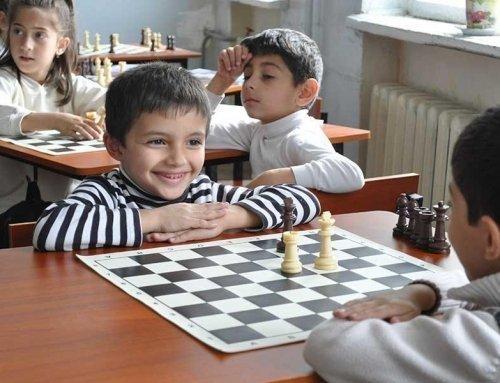 Satranç turnuvalarına katılmak